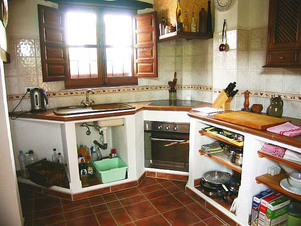 Casa de pueblo reformada con detailles rusticos 8023 - Cocinas de pueblo ...