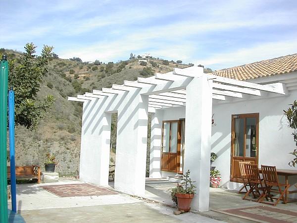 Peque a casa de campo con cuadra y picadero 8085 casa for Fotos de terrazas de casas de campo