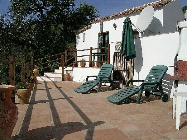 Mazmullar encantadora casa de campo con piscina privada for Casa de campo con piscina privada