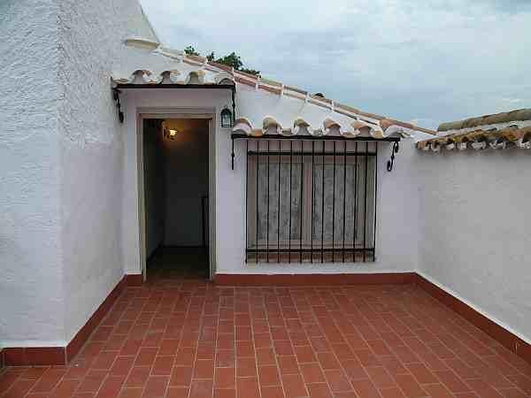 Triana casa adosada rustica con buen acceso for La azotea de la casa de granada